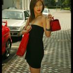 Kvinnor förbränner 48000 kalorier om året enbart genom shopping