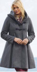Kvinna i grå duffel