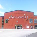 Kosta Outlet i Småland är Sveriges största varumärkesoutlet – öppettider och hotell